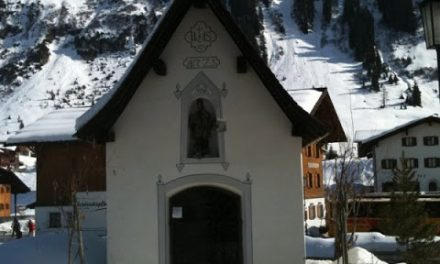 Photo Friday: An alpine chapel and altar