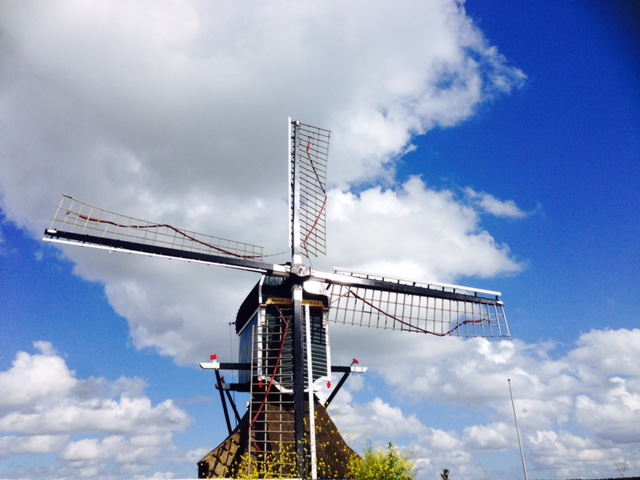 http://anunstoppablejourney.com/2017/05/12/windmill-days-in-holland/