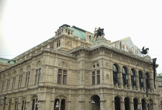 State Opera House in Vienna