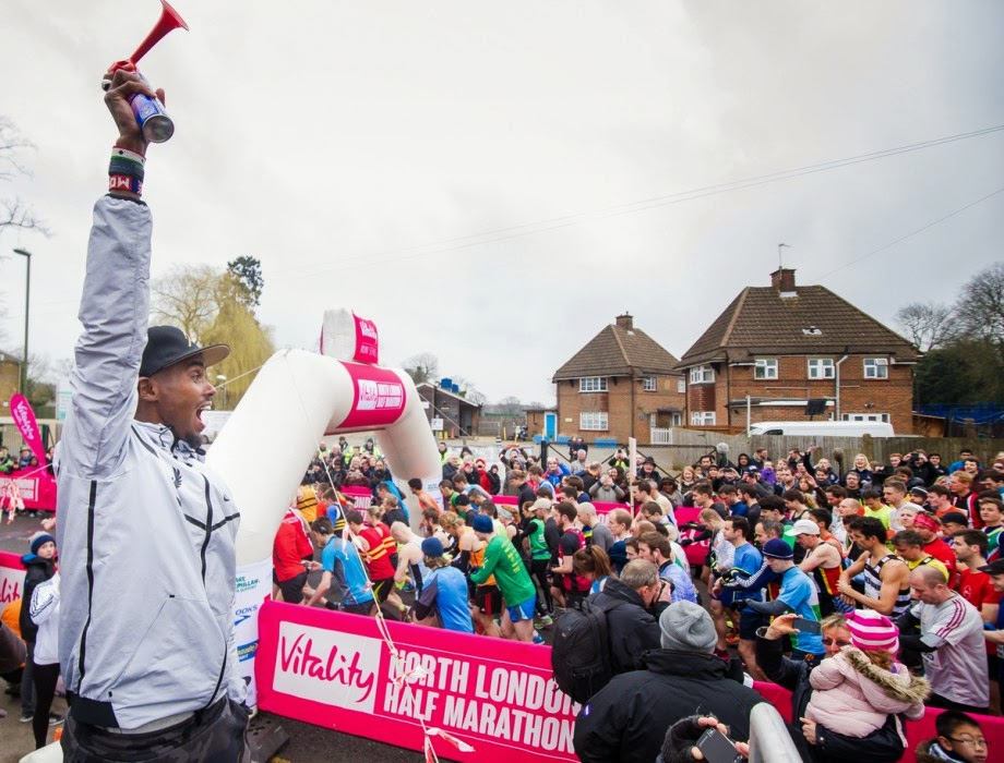 Mo Farrah starts the North London Half Marathon