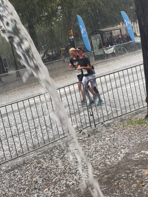 Hail and torrential rain during the Copenhagen Half Marathon