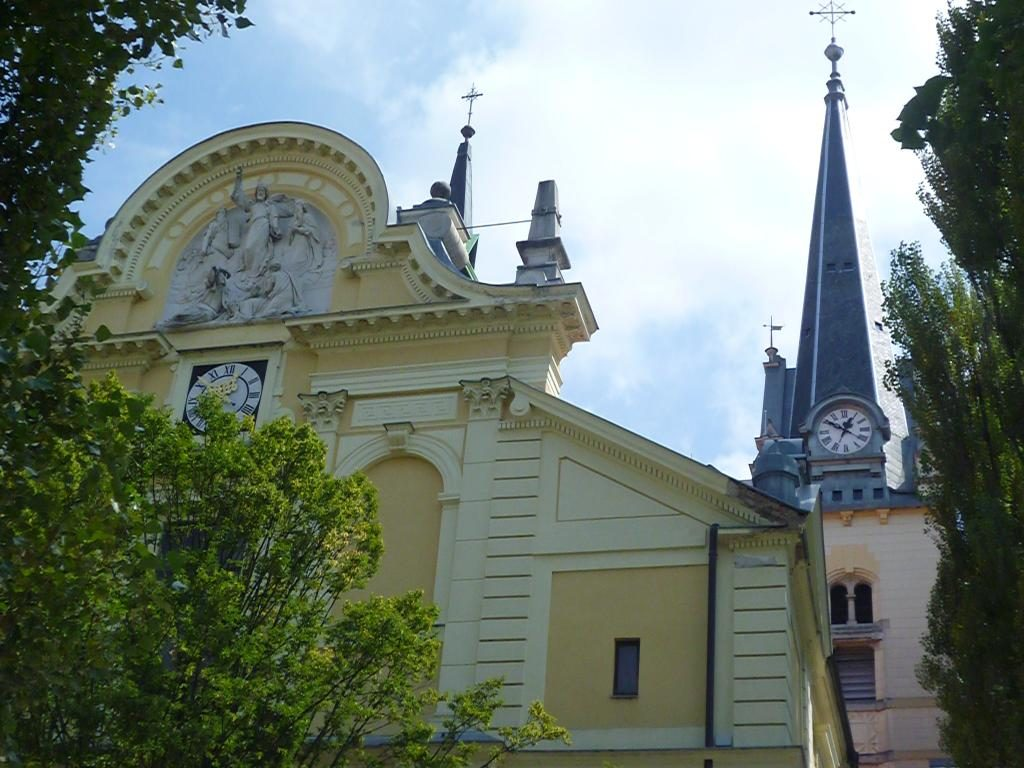 www.anunstoppablejourney.com: 5 Things to See in Ljubljana - St. James' Church