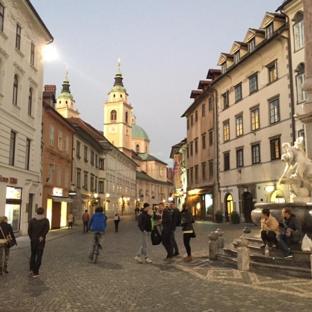 www.anunstoppablejourney.com: 5 Things to See in Ljubljana - Mestni Trg