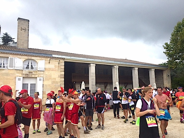 Wine break during Marathon du Médoc.