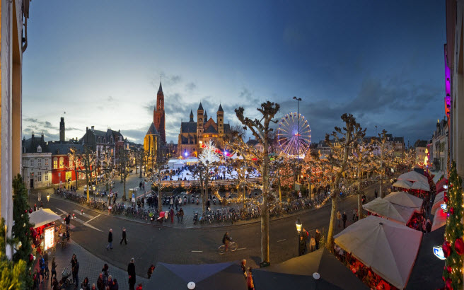 Magical Maastricht is a brightly illuminated celebration of the Christmas season that also features a sophisticated program of cultural events such as concerts, theater productions and art exhibitions that take place in the city's streets, squares and museums.