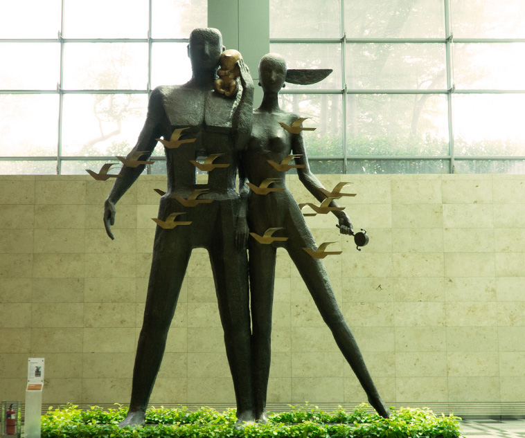 "The sculpture ""Coming Home"" in Changi Airport is Chinese artist Han Meilin's tribute to families."