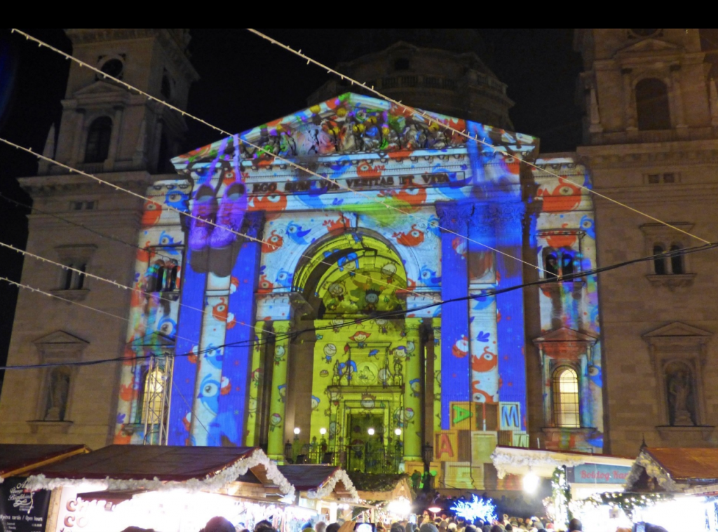 One of the highlights of the St. Stephen's Christmas market is marked by the brightly lit Christmas tree and a 3D light show projected hourly on the façade of the basilica.