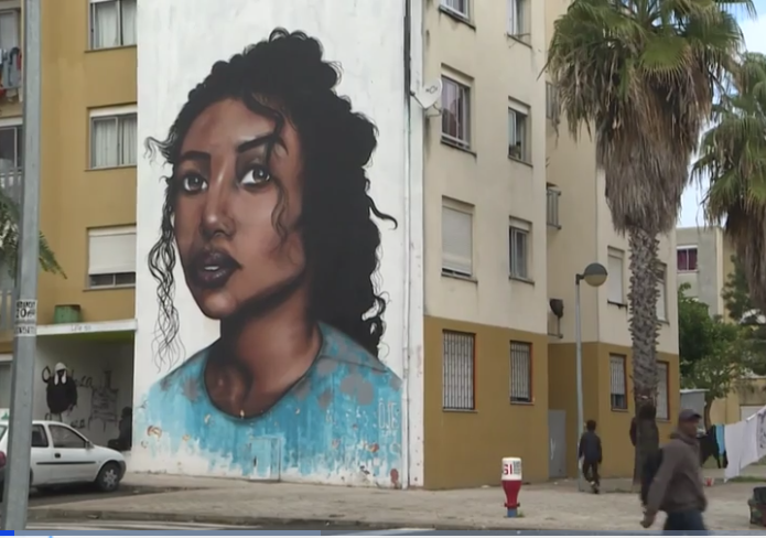 Guias da Quinta do Mocho goes through this predominately African neighborhood in Lisbon highlighting its street art. Photo credit: Guias do Mocho Facebook page