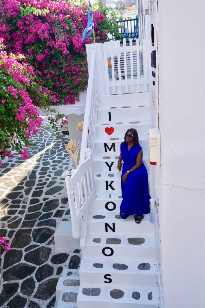 Travel influencer, Monique White, shows you the best things to see and do in Mykonos, including beaches, nightlife, historic landmarks, and culture. Mykonos itinerary | Greece Travel Guide | Mykonos Travel Guide | Greece Itinerary | Things to do in Greece | Mykonos Travel Tips | Greece Travel Tips | Greek Island Travel Tips Things to do in Mykonos| Things to do in Mykonos at night | Best Beaches in Mykonos | Best nightlife in Myconos | historical things to do in mykonos | Greek islands | Greek wine | Europe travel planning | travel | travel tips